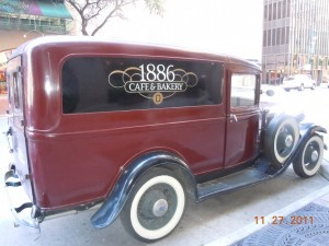 1886 cafe and bakery truck