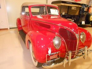 1938 Ford Deluxe showing heart shaped grille offered only on the deluxe models