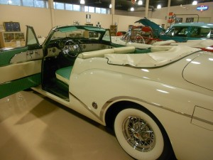 1953 Buick Skylark Convertible. Notice emblem in front of rear wheel well