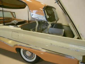Ford Skyliner retractable hardtop