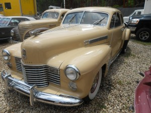 1941 Cadillac hood extenders to the fenders