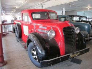 1937 Diamond T sloping windshield, wide fenders and hood clamps