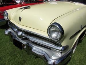 1953 Ford Crestline front grille design