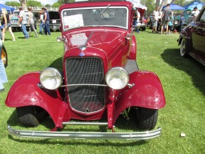 1932 Ford Victoria front end