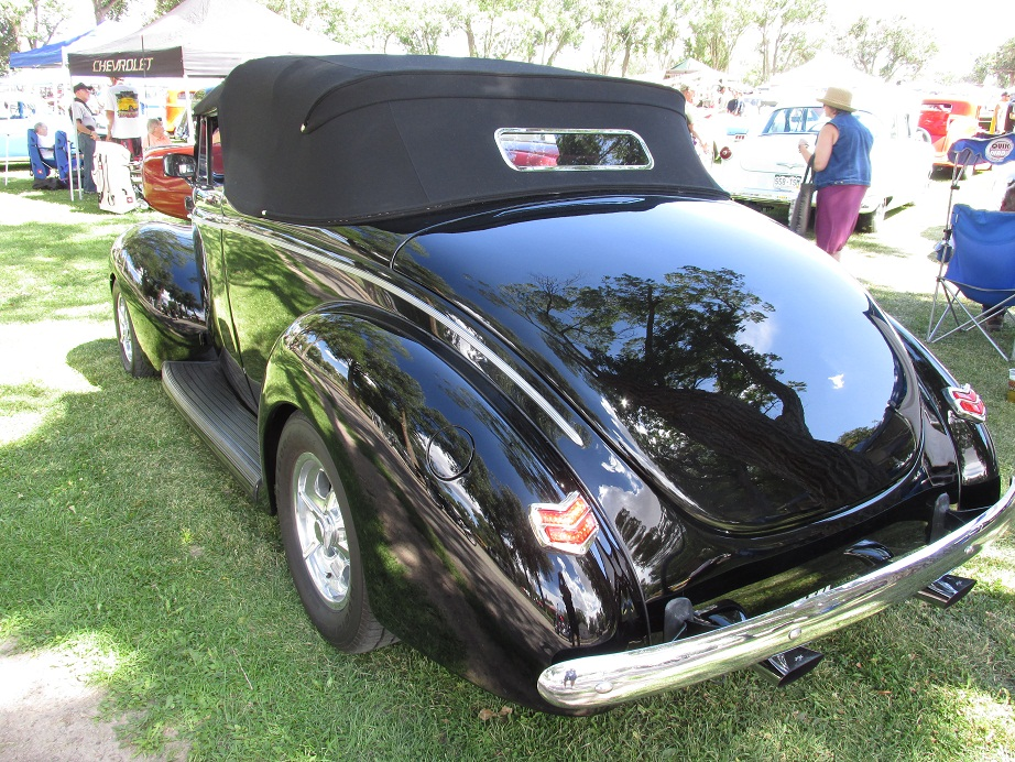 1940 Ford Deluxe Convertible Coupe | Auto Museum Online