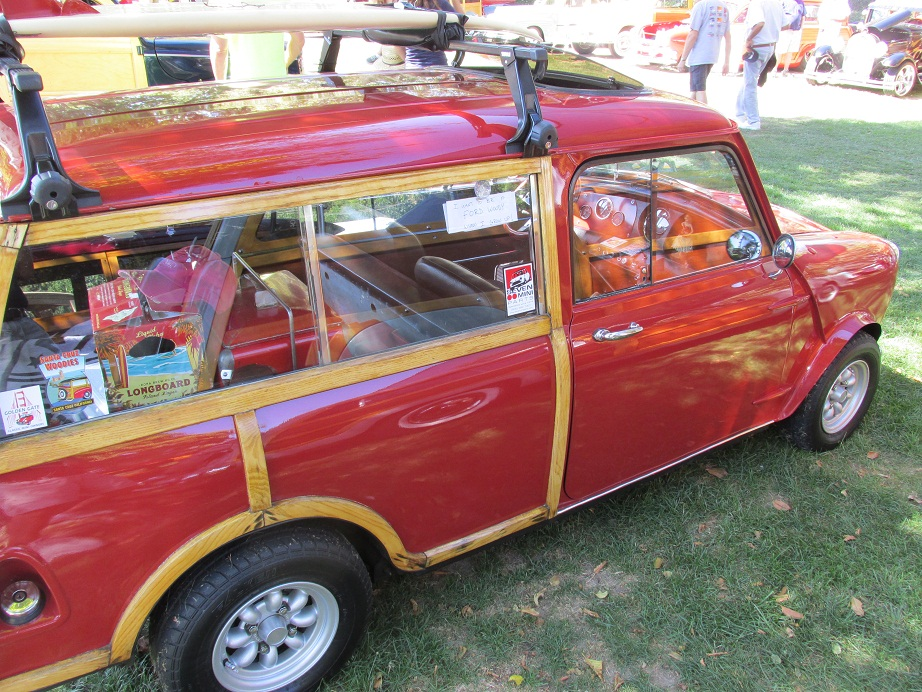 a real classic 1967 austin mini countryman 1275 woody auto museum online. Black Bedroom Furniture Sets. Home Design Ideas