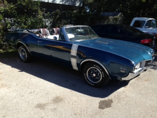 The 1968 Oldsmobile Muscle Car / The 442 W-30 Convertible