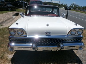 ford fairlane 500 skyliner specs