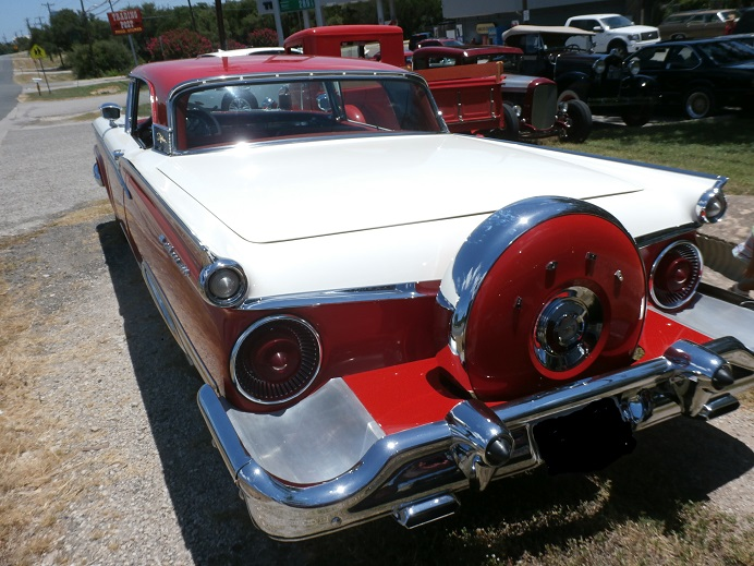 1959 Ford Fairlane 500 Skyliner / Photos and History and